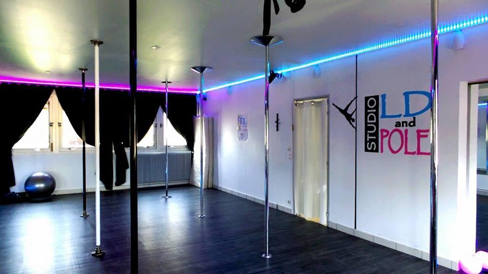 pole dance 01200