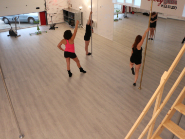 Photo de l'école Bodyglam Pole Studio La Rochelle